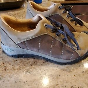 Womens Keen Hiking Shoes 8.5 Leather